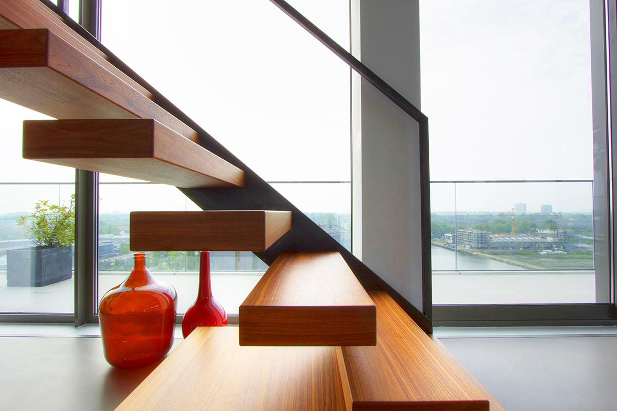 Zwevende Trap Veiligheid : Zwevende trap meer informatie offerte
