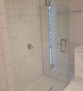 glass-systems-gallery_showers_20160727_0