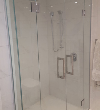 glass-systems-gallery_showers_20160616_0