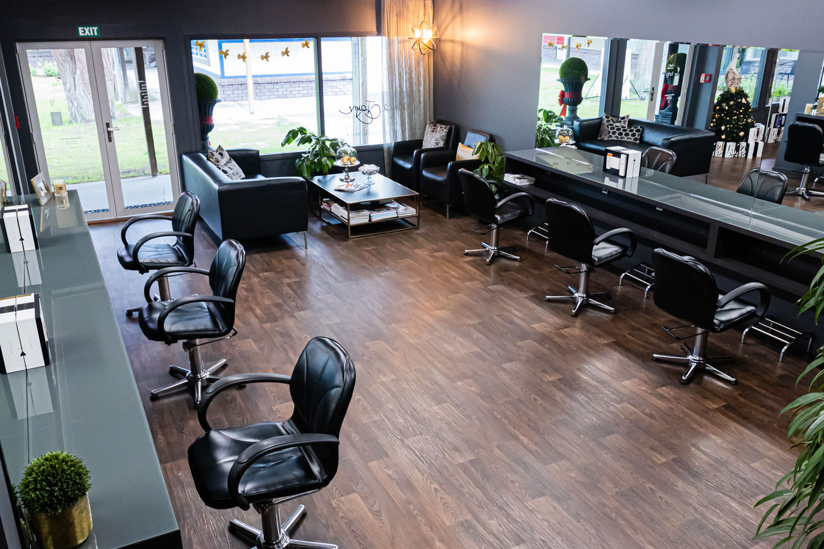 veronica-jayne-salon-selects_AKRU2608.jp