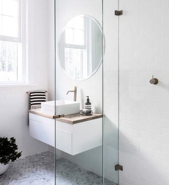 @yhagnz shower.jpg