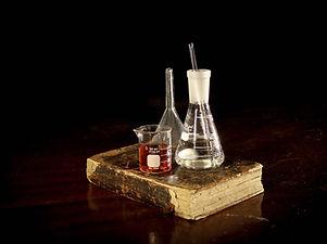 pharmacy-2055124_1920.jpg