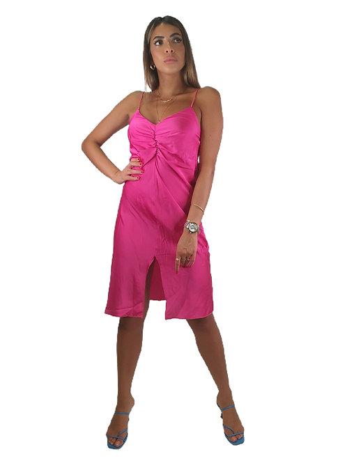 שמלת סאטן שסע
