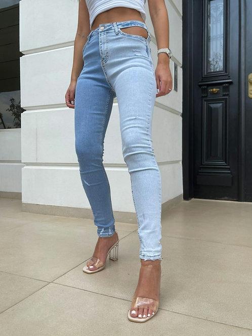 ג'ינס פתחים חצי-חצי תכלת