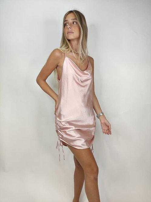 שמלת סאטן כיווצים A