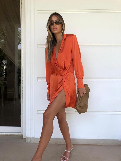 שמלת סאטן סיבוב
