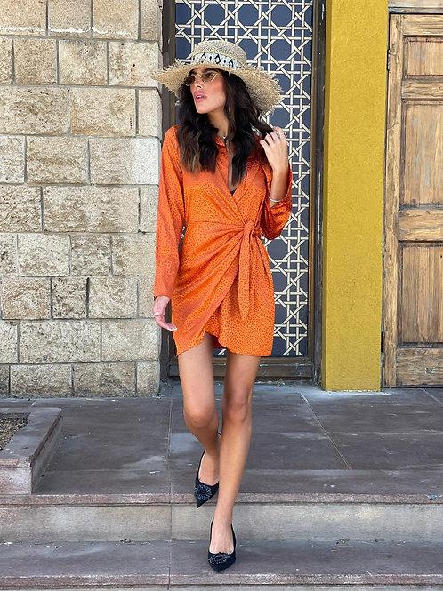 שמלת סאטן קשירה