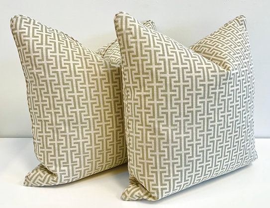 "20"" Pillow - Schumacher Temple Green"