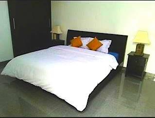 DE PALM BED 1.jpg