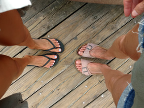 Toe Thong Sandals - An Underlying Cause of Injuries and Foot, Ankle, Knee & Hip Pain?