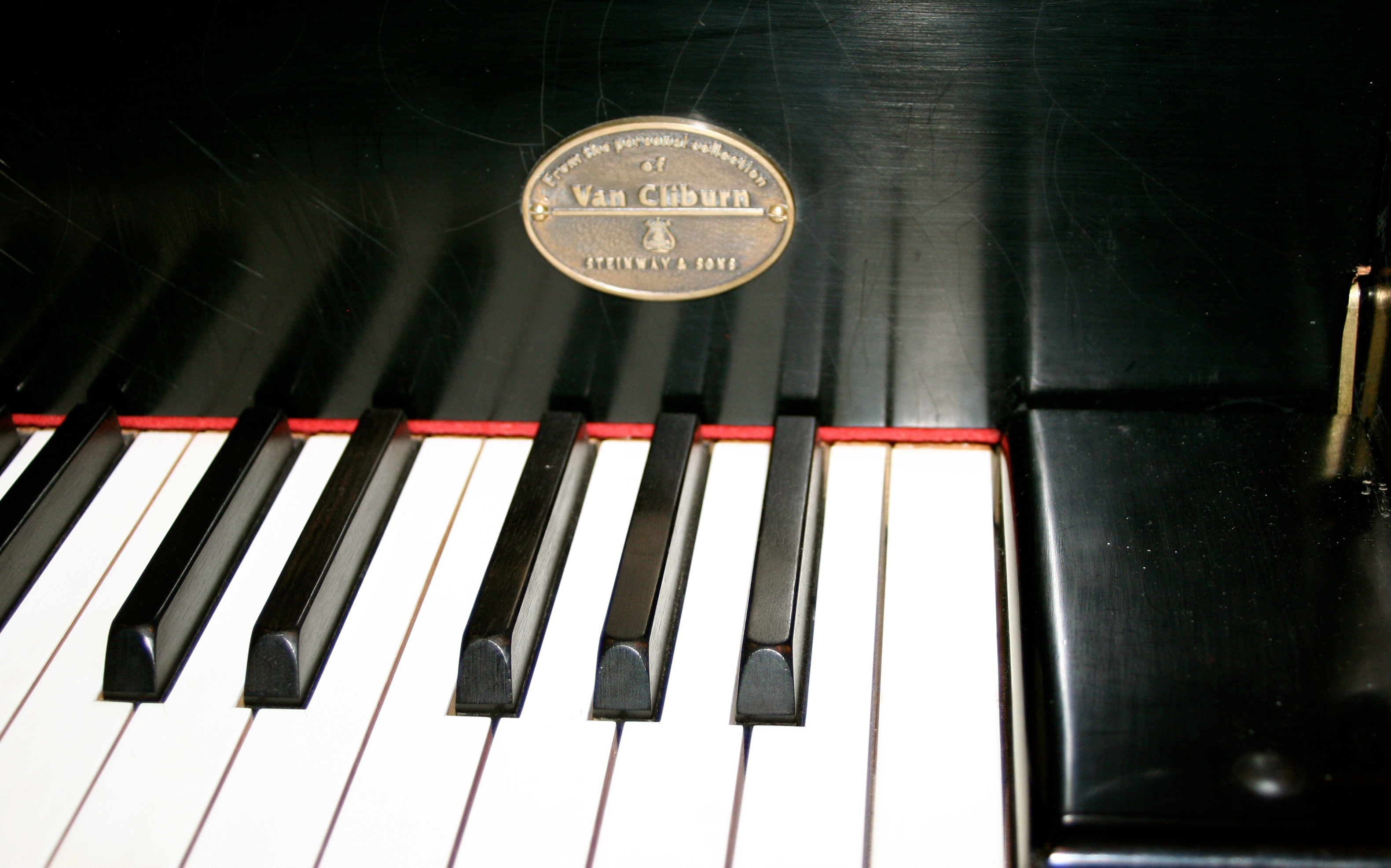 Van Cliburn's own piano, CD 375