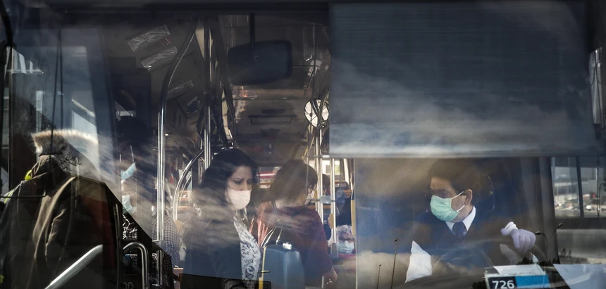 Covid-19. Ausência de máscaras deixa centenas fora dos transportes públicos