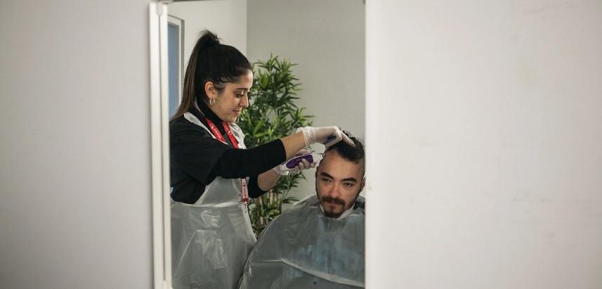 Preciso de ir ao cabeleireiro. O que preciso de saber?