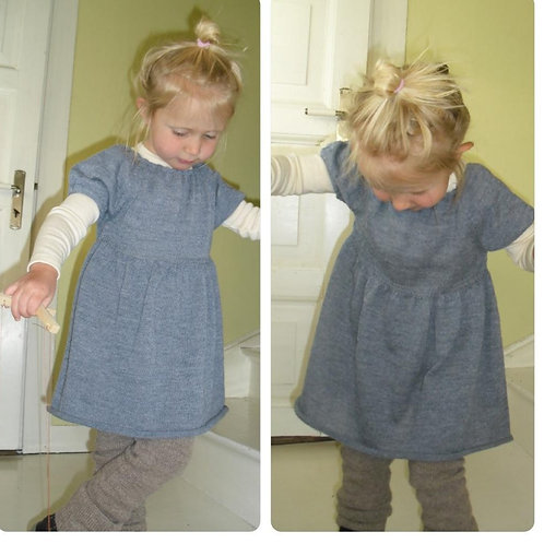 Baby-kjole med puffermer i tynn alpakka