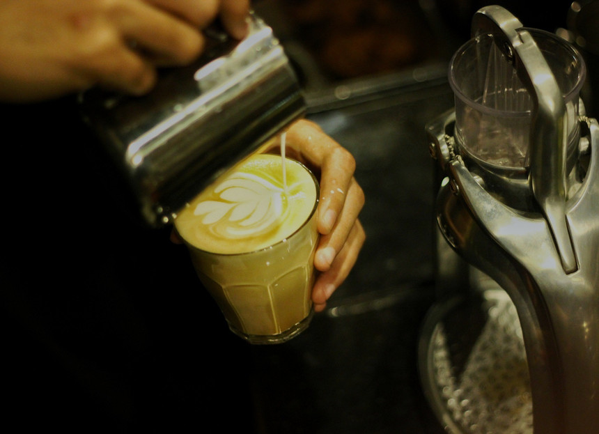 coffee-2288708_1920_edited.jpg