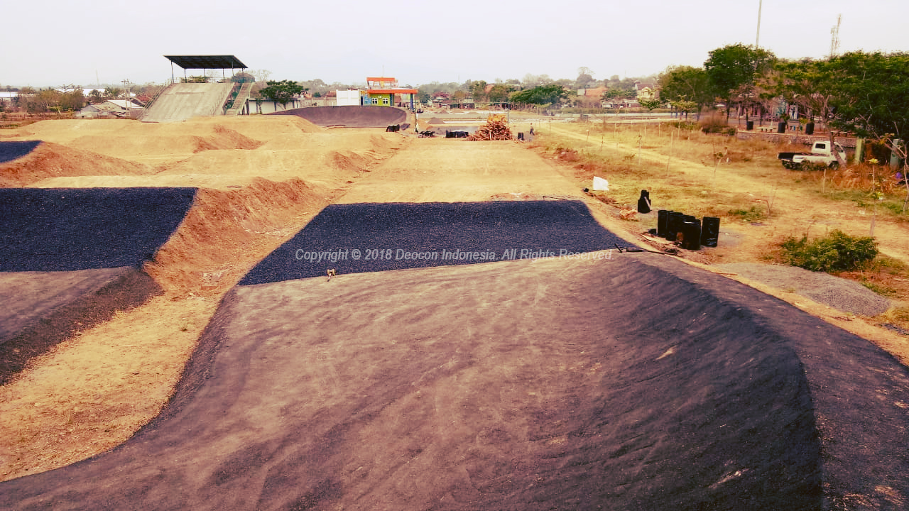 Track BMX with S-Base 07 Soil Stabilizer