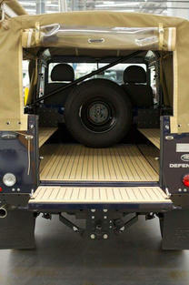 Land Rover Defender Tavaratila