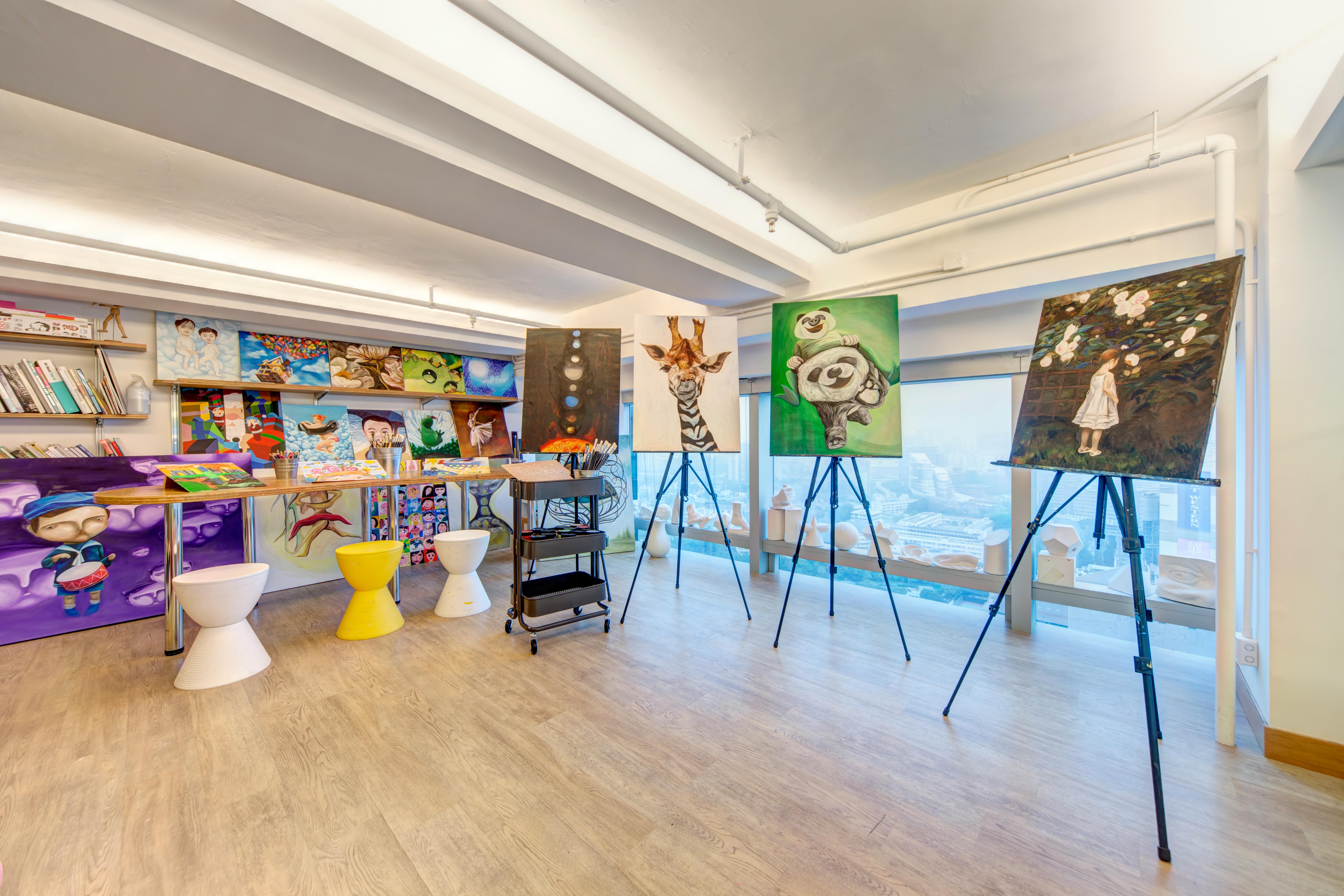Studio Upper Floor 01