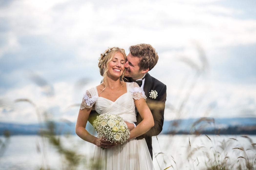 Brudepar ved Mjøsa