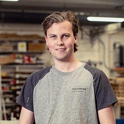 Tømrer Jonas Aasgård Ørbekk.