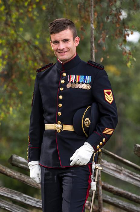 Brudgom i uniform