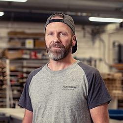Snekker Cato Ørbekk.