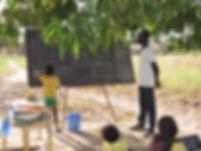 école_sous_les_arbres_Tintilou__(4).JPG