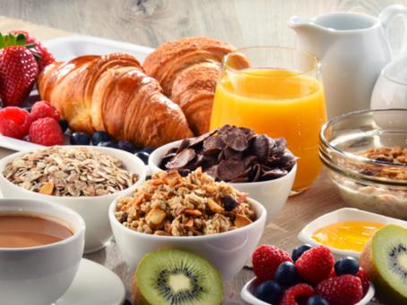 Pequenas substituições deixam o café da manhã mais saudável