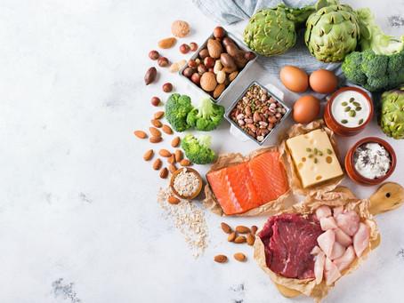 Alimentos ricos em proteína: tipos, benefícios e consumo