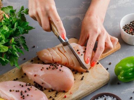 Ovo ou frango para emagrecer e ganhar massa muscular?