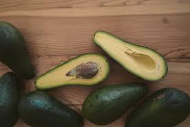 Comer um abacate por dia pode melhorar a saúde intestinal