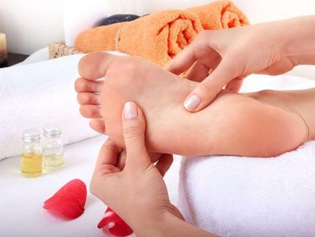 Como fazer massagens relaxantes em casa?