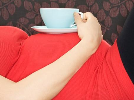 Grávida pode tomar café ou outras bebidas com cafeína?