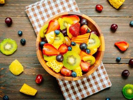 Receita de salada de frutas low carb fácil de preparar
