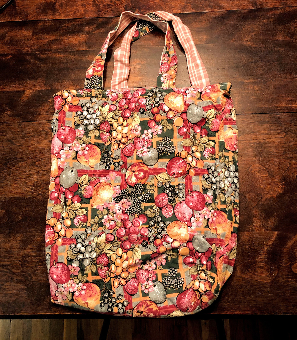 Large fabric shopping bag. Fruits and vegetable pattern.