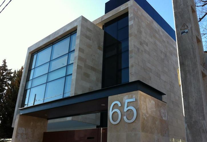 V, 65