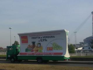 Camion vela Penny a Torino