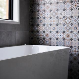 freestanding bath.jpg