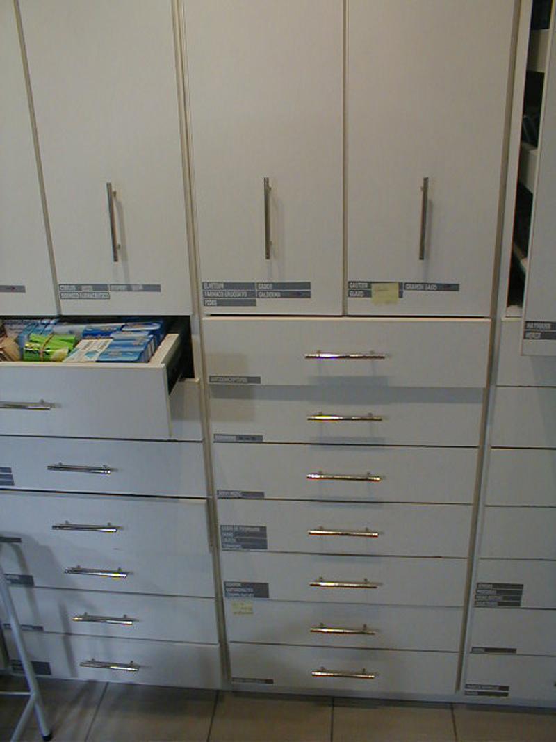 farmacia muebles04.JPG