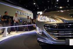 Picasa - motor show peugeot stand.jpg