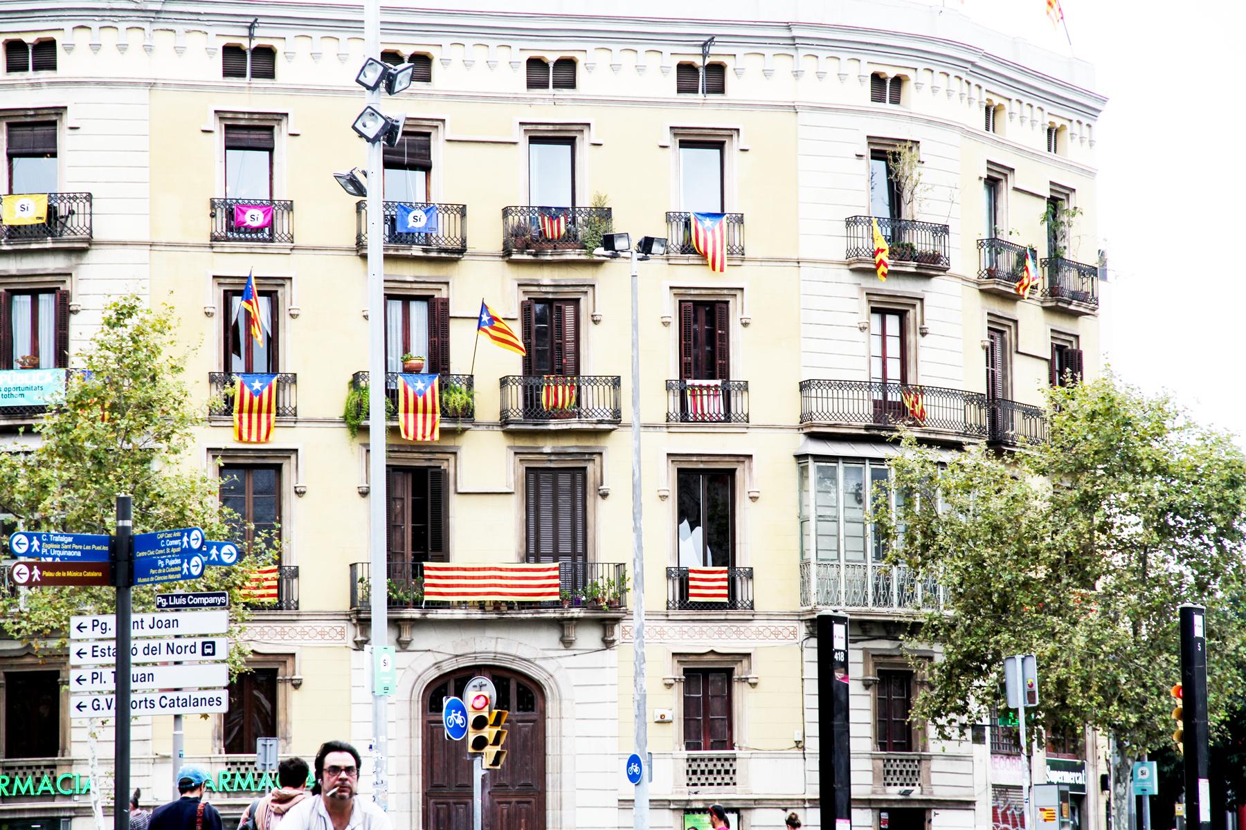 Les balcons de la ville, catalane