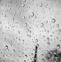 Rainy Paris COPYRIGHT Axelle Emden Photography