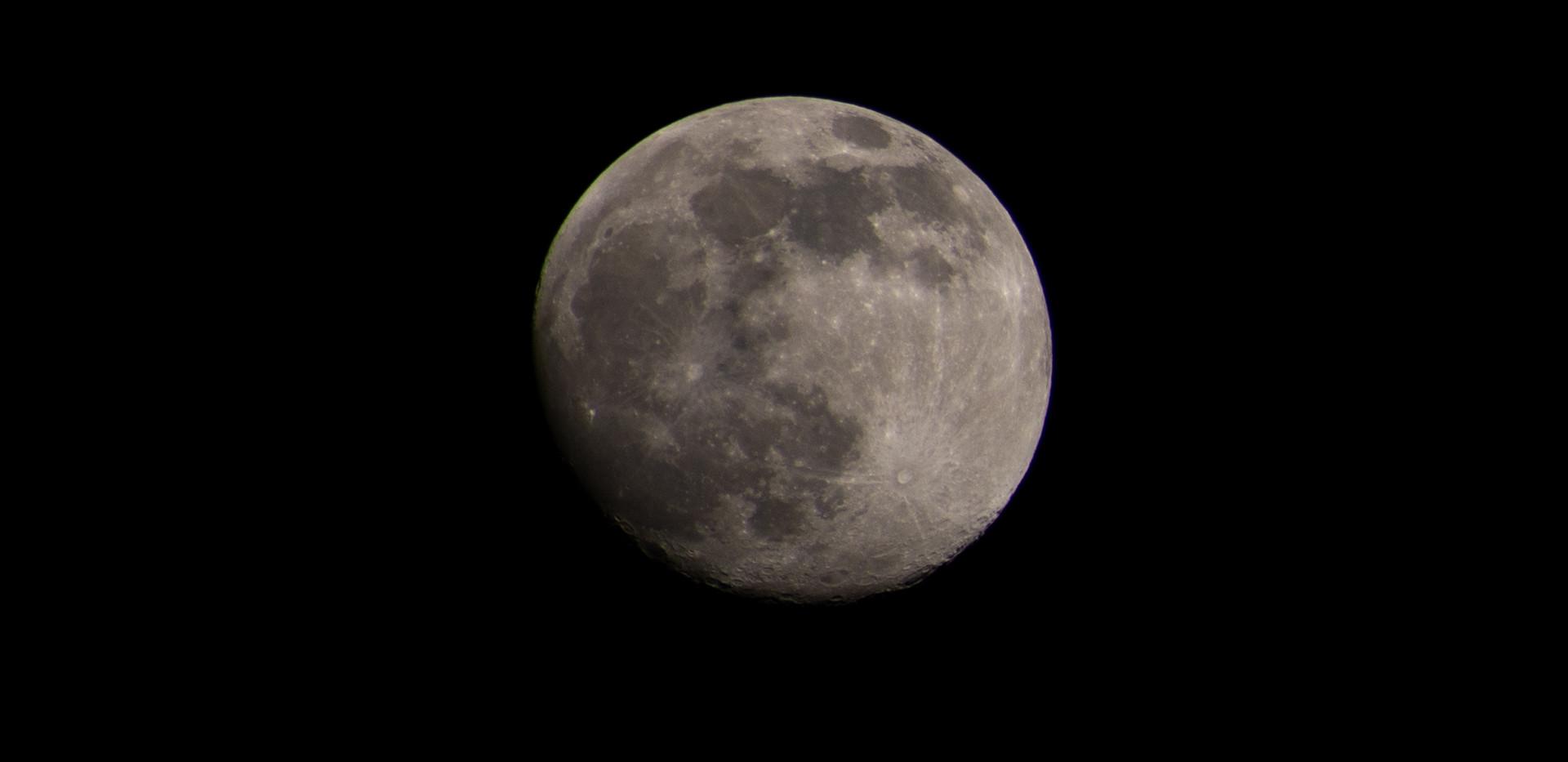 Moon Photo Noxon Photography.jpg