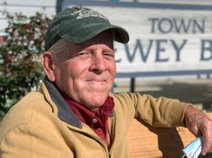Dale ~ Mayor of Beach Town