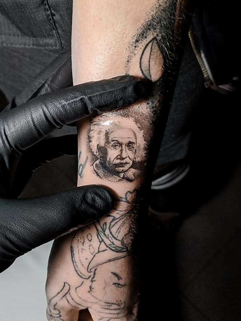 ScreeKelowna Tattoo Collectiven Shot 2020-07-29 at 10.23.09 AM.pn