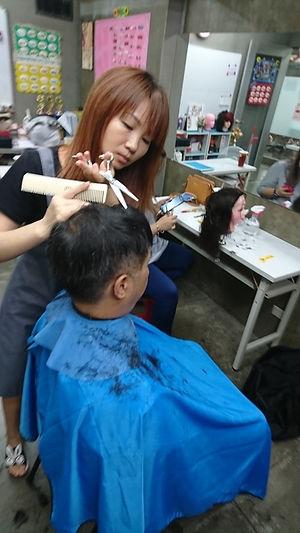 高階美髮剪吹設計班3|靚妍JYBeauty是您學好高階剪美髮剪吹設計師技能、擁有高階剪美髮剪吹設計師證書及高階剪美髮剪吹設計師創業在台北,桃園的第一選擇。另有美容丙級,美容乙級,美髮丙級,美髮創業,紋繡,繡眉,接睫毛,微刺青,凝膠指甲(光療指甲),水晶指甲,指甲彩繪,新娘秘書(新秘),挽臉等證照檢定及創業教學