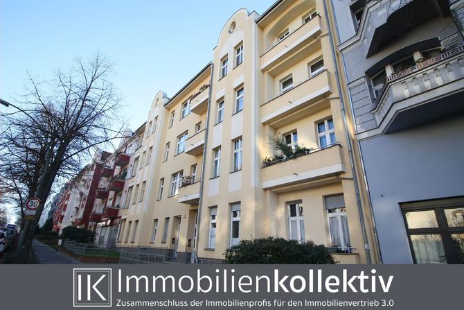 VERKAUFT !!! Altbau von 1911 inkl. Stuckelementen, hohen Decken und Balkon in gesuchter Lage von Ber