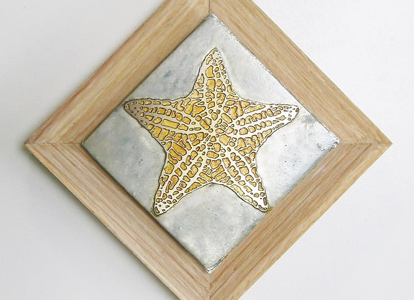 Starfish (Cushion Starfish) Etched Metal Wall Art with Rustic Cedar Frame