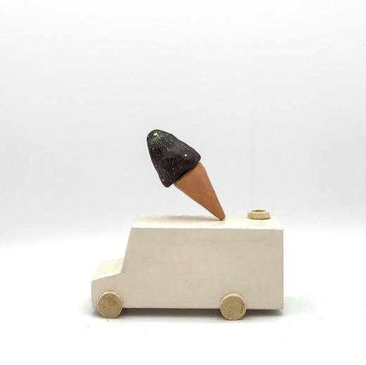Icecream Moon Truck