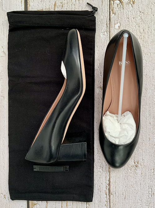 HUGO BOSS TAYLOR PUMPS SIZE 4.5